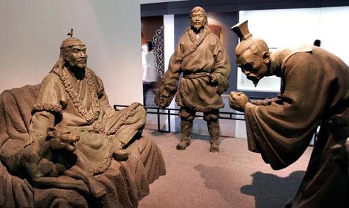 雕塑《战国时期胡服骑射的故事》