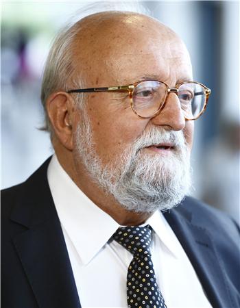 波兰指挥家、作曲家潘德列茨基