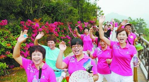 翔安660名老人登香山庆重阳。(资料图/张天骄 摄)