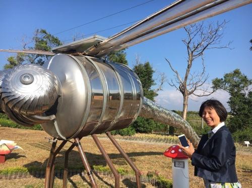 """大型艺术创作""""蜻蜓点水""""。台湾《联合报》记者黑中亮摄影"""
