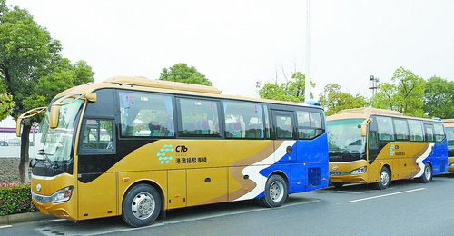 ▲港珠澳大桥接驳车,由厦门金龙汽车集团旗下品牌提供。