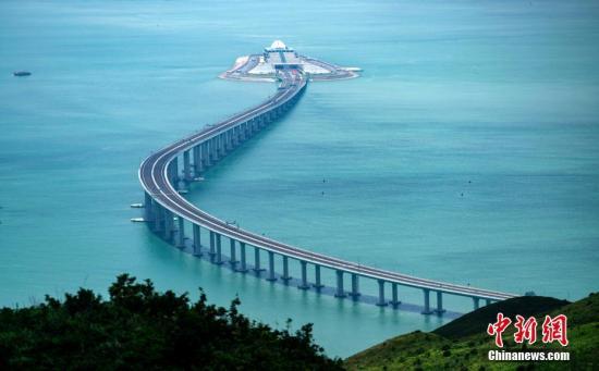 内地港澳同胞 港珠澳大桥让港澳与国家融合更紧密