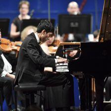 陆逸轩获得利兹国际钢琴大赛冠军