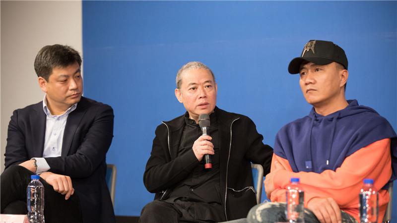 导演李六乙对剧目概况和精彩亮点做详细丰富的阐述,并分享交流了目前的排练感受。高尚/摄