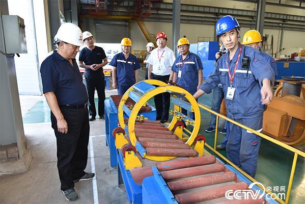 邢忠东发现的360°立体旋转焊接台