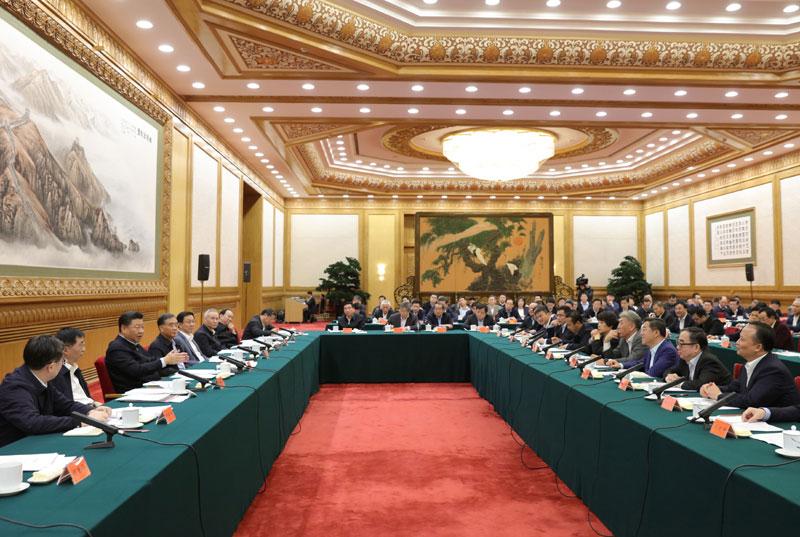 11月1日,中共中央总书记、国家主席、中央军委主席习近平在北京人民大会堂主持召开民营企业座谈会并发表重要讲话。新华社记者 黄敬文 摄