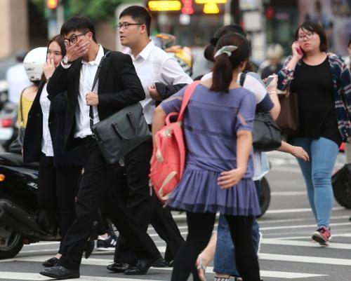 台湾上班族。台湾《联合报》报系记者王腾毅摄影