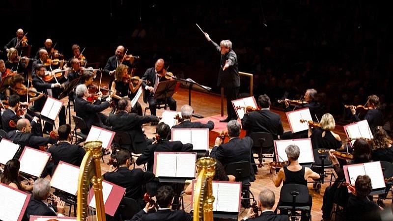 圣切契利亚交响乐团将在艺术总监兼首席指挥安东尼奥·帕帕诺的率领下三度登台国家大剧院