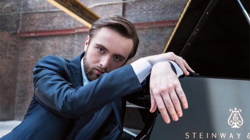 """俄罗斯""""90后""""新生代钢琴家丹尼尔·特里福诺夫"""