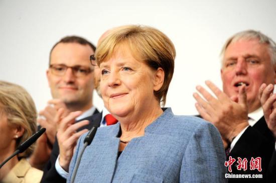 """默克尔对欧盟和英国达成""""脱欧""""协议表示欢迎"""