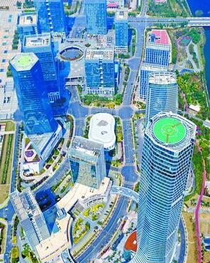 杏林湾商务营运中心集总部办公、商贸、研发结算中心等功能为一体。