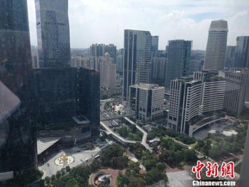 图为广州楼房。唐贵江 摄