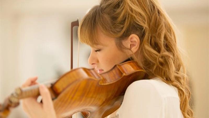 小提琴家尼古拉·本尼黛蒂