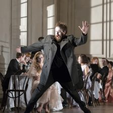 Opus Arte最近发行的布莱特·迪恩的《哈姆雷特》备受赞誉