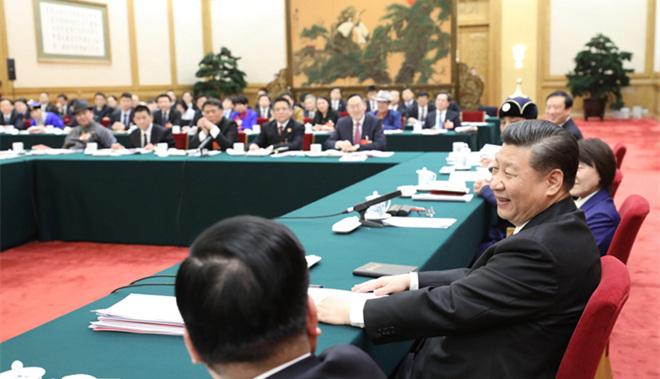 2018年3月5日,中共中央总书记、国家主席、中央军委主席习近平参加十三届全国人大一次会议内蒙古代表团的审议。