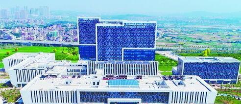 厦门大学附属翔安医院实景图。