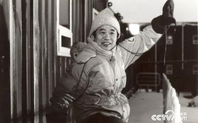 1990年董兆乾在南极中山站冬练