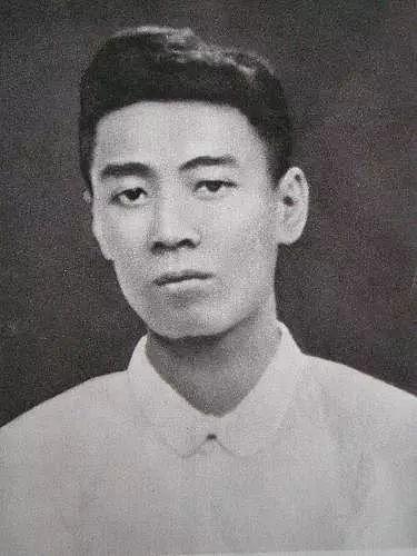1919年五四运动时,周恩来同志在天津。