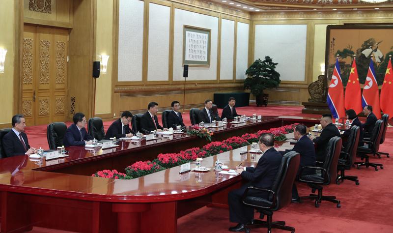 1月8日,中共中央总书记、国家主席习近平同当日抵京的朝鲜劳动党委员长、国务委员会委员长金正恩举行会谈。