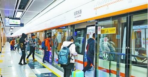 地铁1号线开通以来,受到市民青睐。