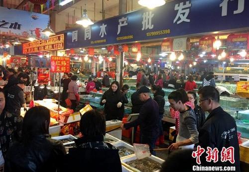 中国人每年必吃的这顿饭 承载几何故事与情感?