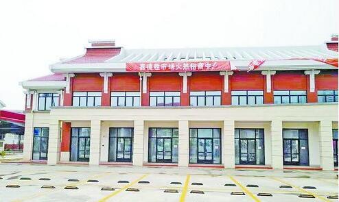 嘉德胜农贸市场是双翘燕尾脊的闽南风情建筑群。