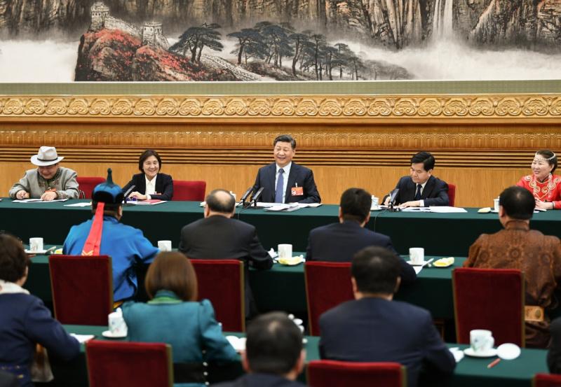3月5日,中共中央总书记、国家主席、中央军委主席习近平参加十三届全国人大二次会议内蒙古代表团的审议。