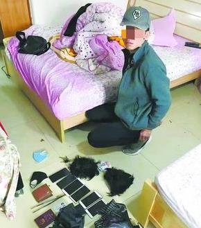 犯罪嫌疑人被抓。(海沧警方供图)