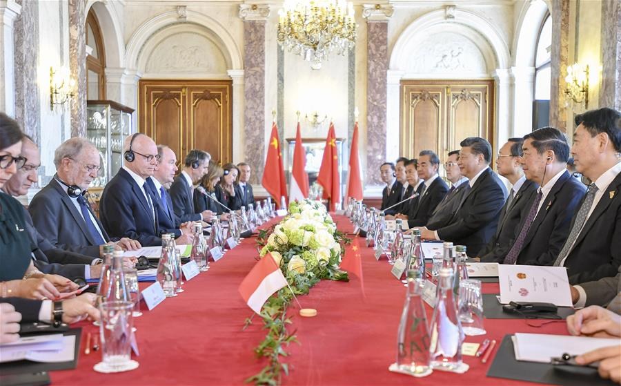 Chinese President Xi Jinping holds talks with Prince Albert II, head of state of the Principality of Monaco, on strengthening China-Monaco relations, in Monaco, March 24, 2019. (Xinhua/Xie Huanchi)