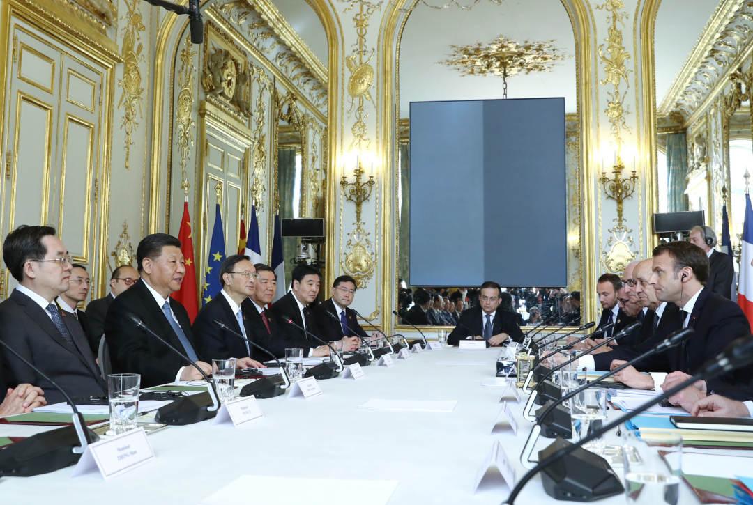 3月25日,国家主席习近平在巴黎爱丽舍宫同法国总统马克龙会谈。新华社记者 鞠鹏 摄