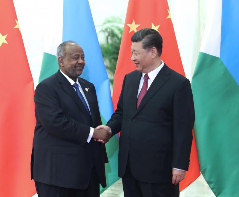 4月28日,国家主席习近平在北京人民大会堂会见吉布提总统盖莱。