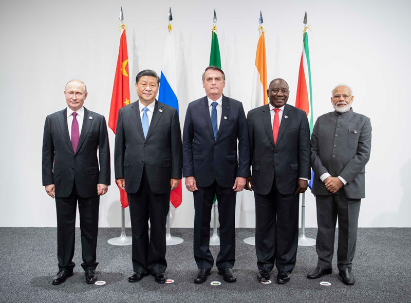 6月28日,金砖国家领导人会晤在大阪举行。国家主席习近平、巴西总统博索纳罗、俄罗斯总统普京、印度总理莫迪、南非总统拉马福萨出席。新华社记者 李涛 摄