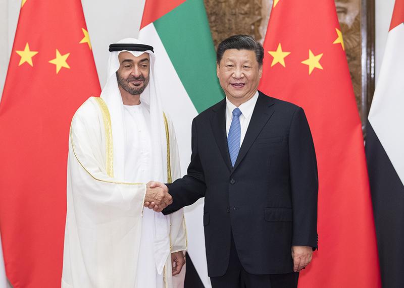 7月22日,国家主席习近平在北京钓鱼台国宾馆再次会见来华进行国事访问的阿联酋阿布扎比王储穆罕默德。新华社记者 黄敬文 摄