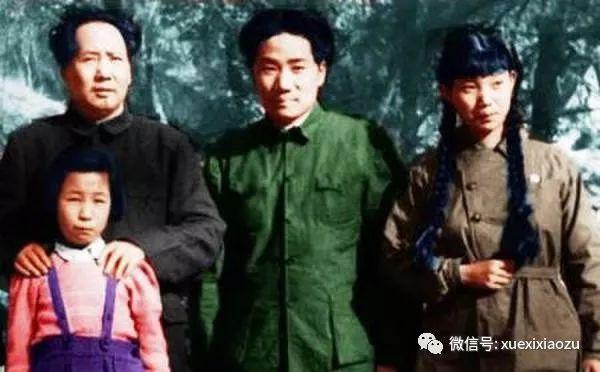 毛泽东和毛岸英、刘思齐(右)、李讷