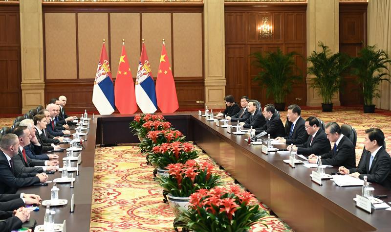 11月4日,国家主席习近平在上海会见塞尔维亚总理布尔纳比奇。新华社记者 谢环驰 摄