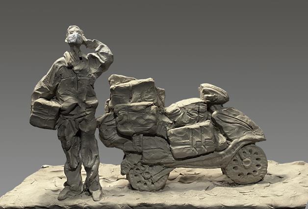 柳青 《黎明之前——武漢快遞員袁雙》 雕塑 2020年