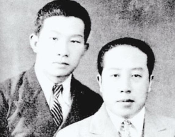 △聂耳(左)和田汉(右)合影
