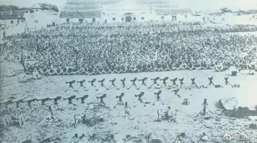 1932年4月20日,由红一军团和红五军团组成的东路军攻占漳州,图为攻占漳州后的部队情形。