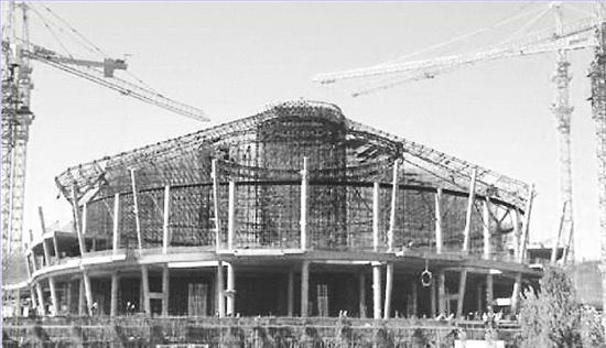 鄂尔多斯机场新航站楼工程穹顶钢结构滑移安装