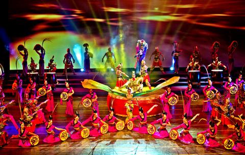 甘肃省大型鼓舞乐专场演出《鼓舞中国》献礼十八大图片