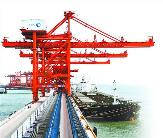 河北港口集团运营的曹妃甸港区   河北港口集团成功举办第二届秦皇岛