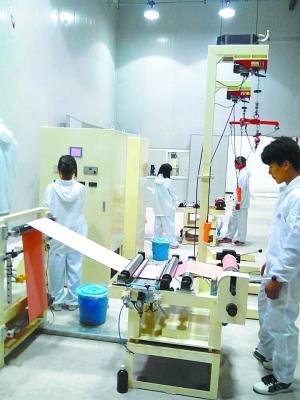 安时锂电生产车间-正在崛起的中原光电子基地 濮阳县