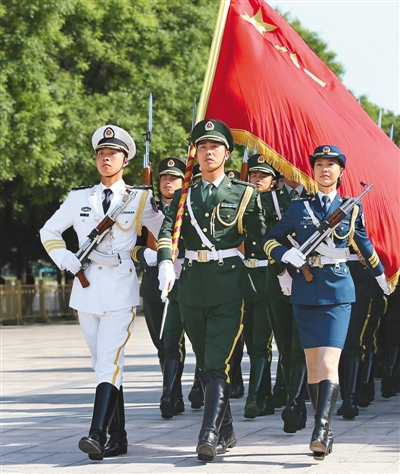 女护旗手程诚曾参加过2009年首都国庆大阅兵