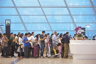 深圳大雨造成航班大面积延误