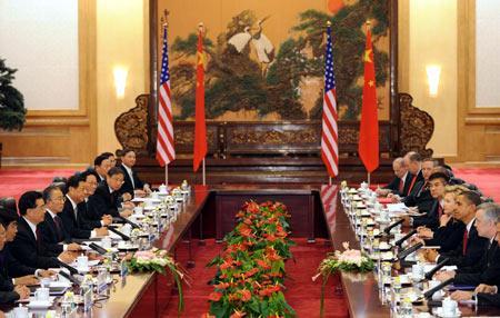 ChinesePresidentHuJintaoholdsofficialtalkswithvisitingU.S.PresidentBarackObamaattheGreatHallofthePeopleinBeijingonNov.17,2009.(Xinhua/HuangJingwen)