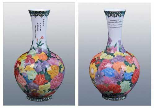 The most famous of this colorful china comes from Liling in southern Hunan province. Now, a masterpiece is given to UNESCO as a gift at the Shanghai Expo.