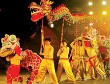 Les danses du dragon pour le Nouvel An chinois
