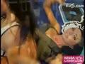 比基尼爆乳美女演示巴西柔术
