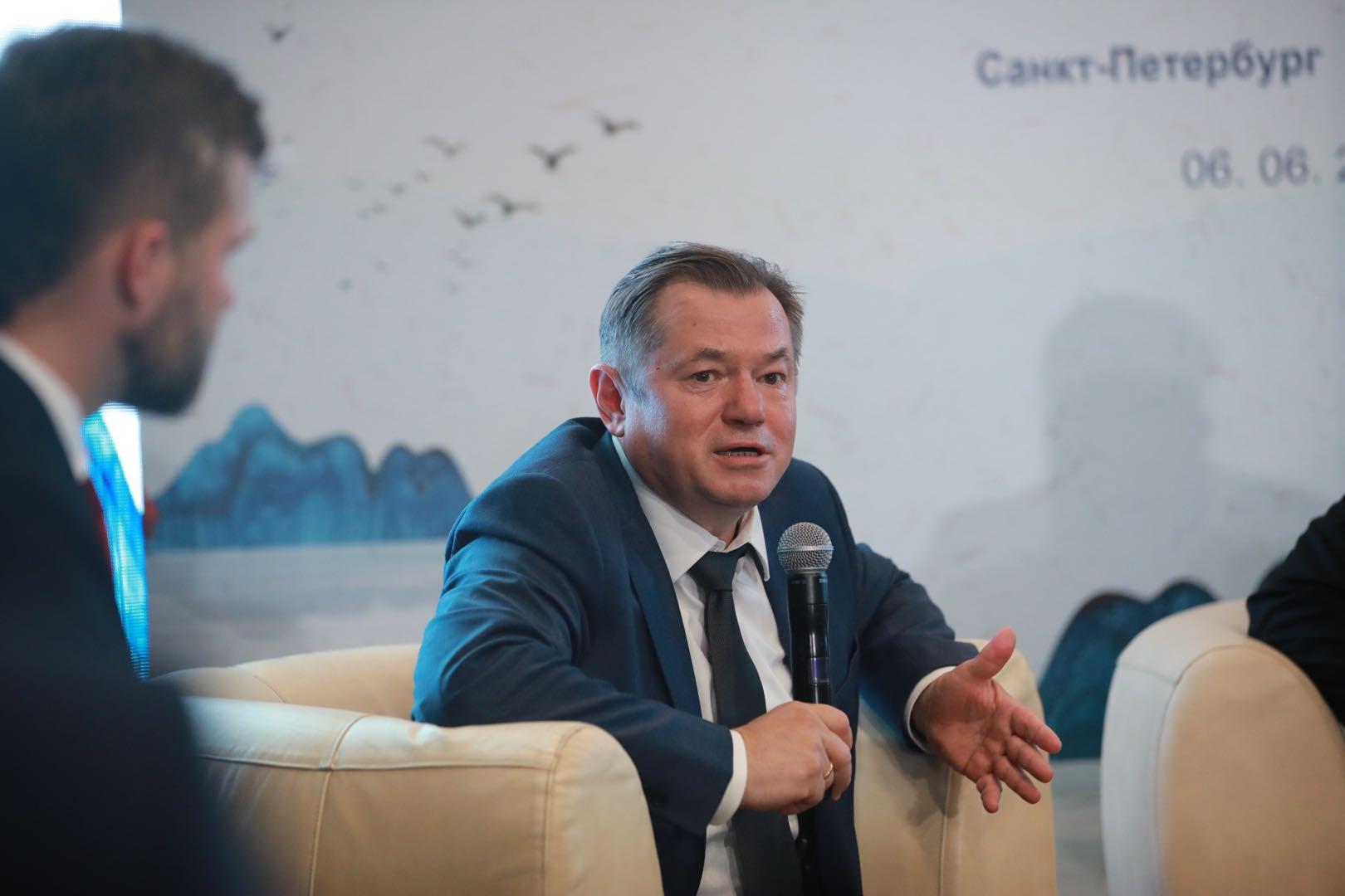 """《平""""语""""近人――习近平喜欢的典故》俄罗斯受众见面会在圣彼得堡举行"""