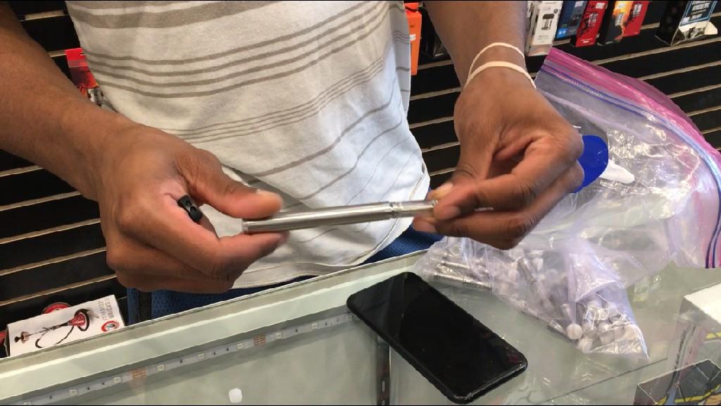 """""""美国连锁超市沃尔玛宣布将停售电子烟"""